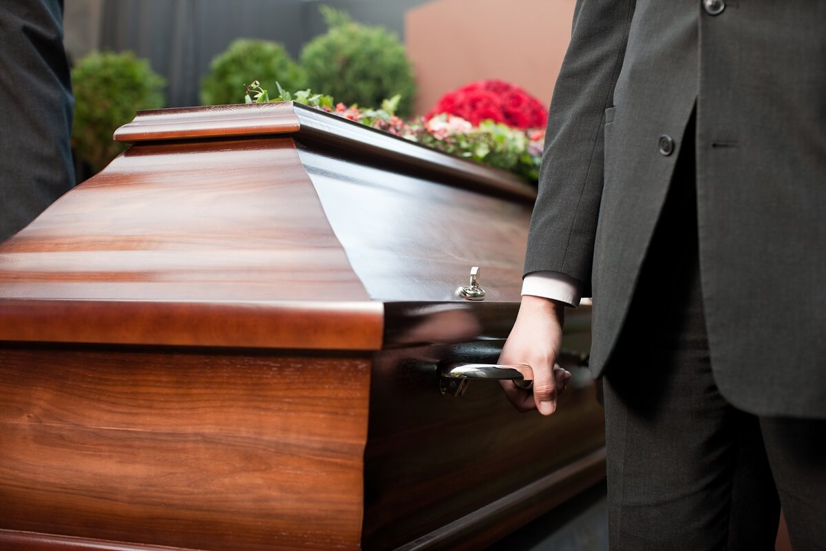 how many pallbearers at a catholic funeral